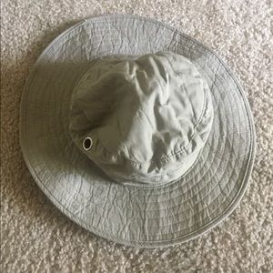 Fisherman hat khaki